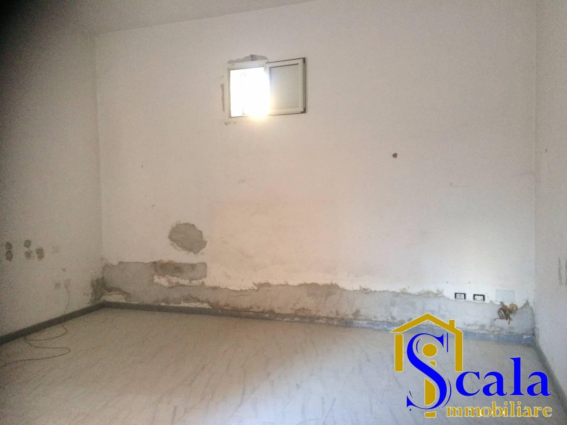 Ufficio / Studio in Affitto a Santa Maria Capua Vetere