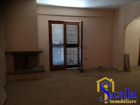 Appartamento in affitto a San Tammaro, 4 locali, prezzo € 450 | Cambio Casa.it