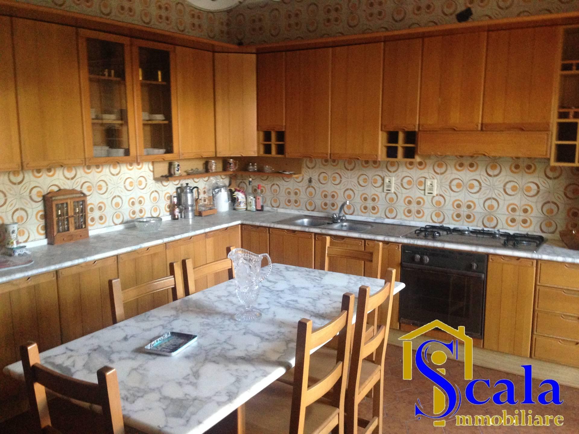 Soluzione Indipendente in vendita a Bellona, 3 locali, prezzo € 190.000 | Cambio Casa.it