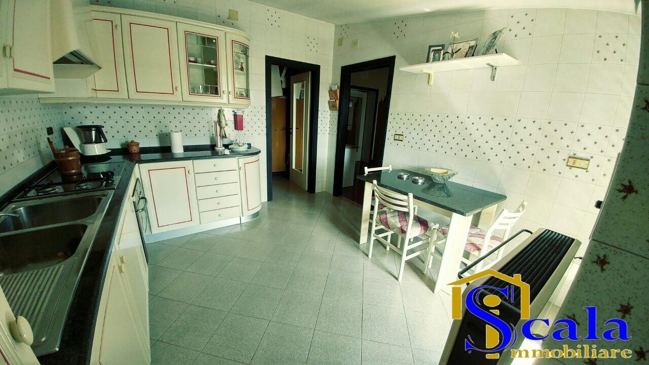 Appartamento in vendita a San Tammaro, 3 locali, prezzo € 60.000 | Cambio Casa.it