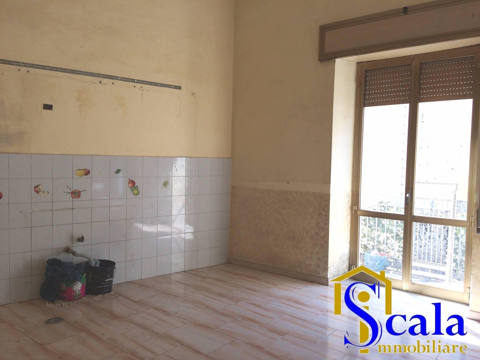 Appartamento in affitto a San Prisco, 3 locali, prezzo € 300 | Cambio Casa.it