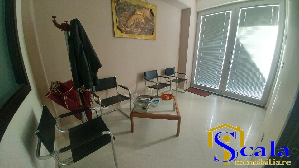 Ufficio / Studio in vendita a Curti, 9999 locali, prezzo € 65.000 | CambioCasa.it