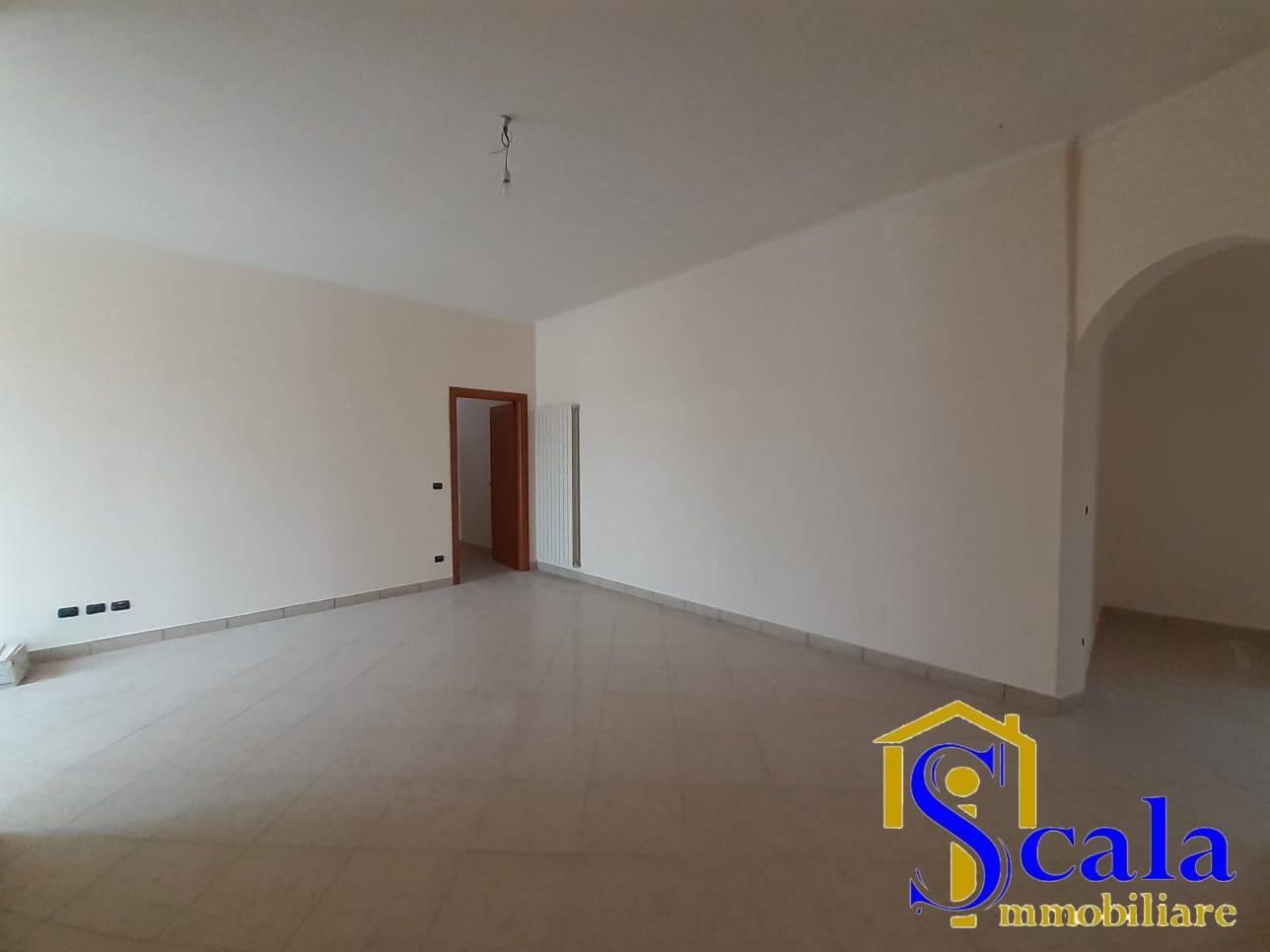 Appartamento in affitto a Capua, 4 locali, prezzo € 420   CambioCasa.it