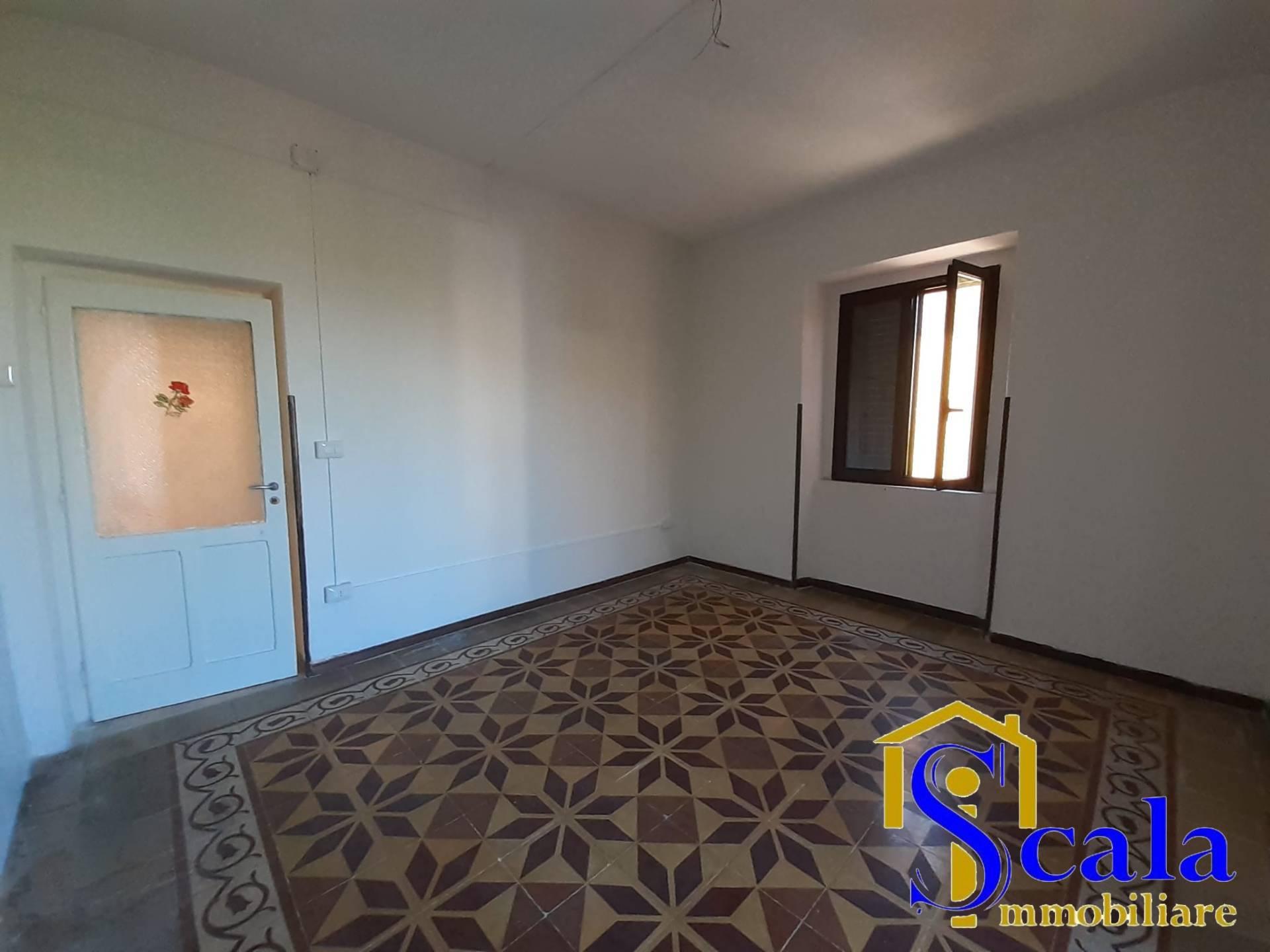 Appartamento in affitto a Capua, 3 locali, prezzo € 280   CambioCasa.it