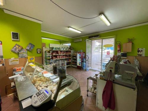 Locale commerciale in Vendita a San Prisco