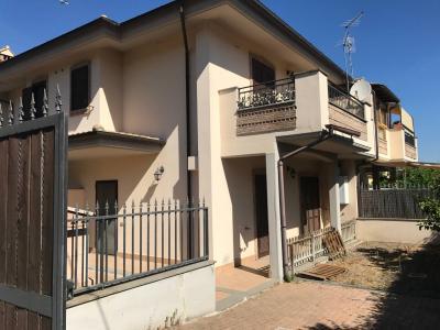 villa quadrifamiliare in Vendita<br>a Fiumicino