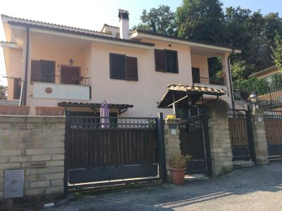 villa bifamiliare in Vendita a Fiumicino