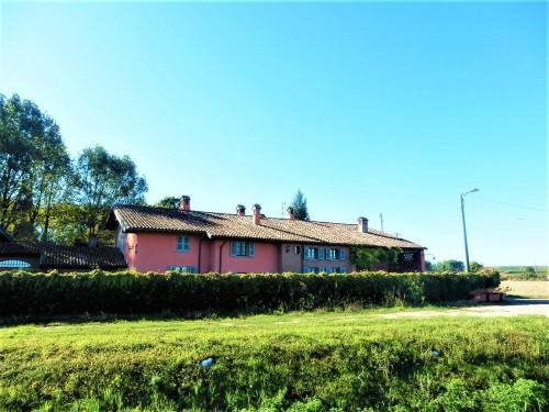 Lussuosa proprietà con terreni in Vendita a Pieve Porto Morone