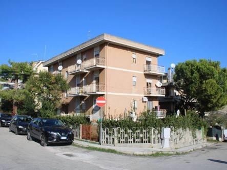 Appartamento in vendita a Monteprandone, 4 locali, prezzo € 90.000 | PortaleAgenzieImmobiliari.it