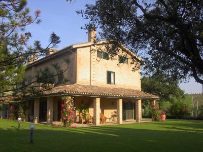 Rustico/Casale in Vendita a Macerata