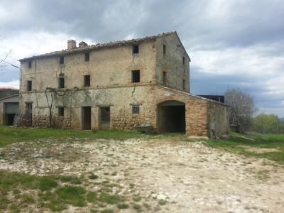 Rustico/Casale in Vendita a Montefiore dell'Aso
