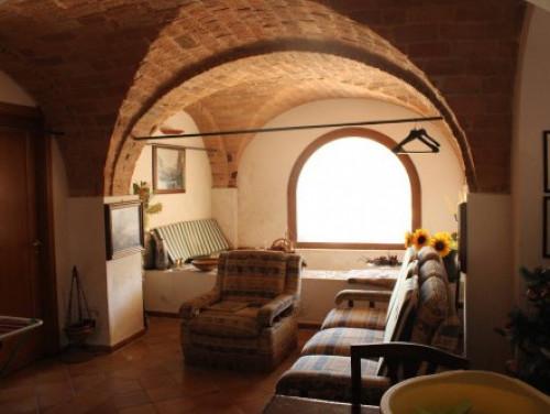 Rustico/Casale in Vendita a Ascoli Piceno