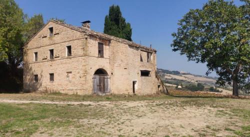 Rustico/Casale in Vendita a Monterubbiano
