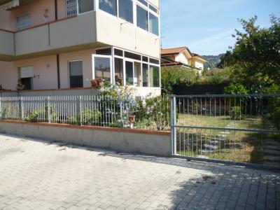 Appartamento piano terra in Vendita a Massarosa