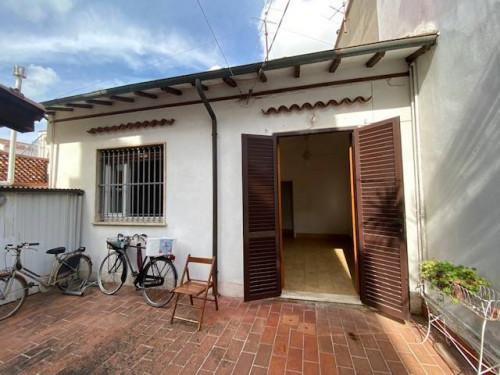 Casa Interna in Vendita a Viareggio