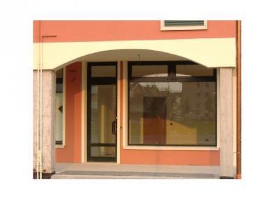 Locale commerciale in Affitto a Ponte San Nicolò