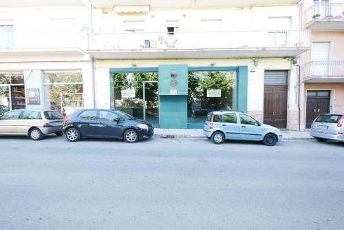 Locale commerciale in Affitto a Ragusa