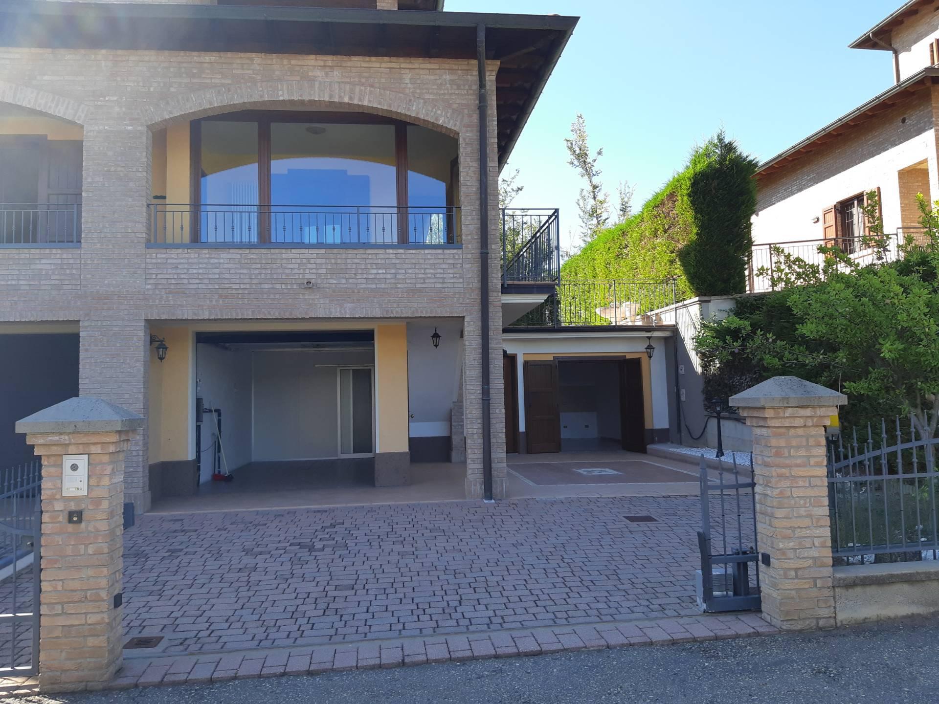 Appartamento in vendita a Pavullo nel Frignano, 4 locali, zona Località: Piscine, prezzo € 310.000 | PortaleAgenzieImmobiliari.it