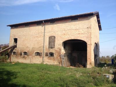 Rustico da restaurare in Vendita a Modena