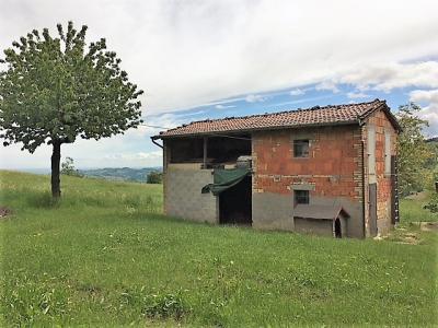 Rustico da restaurare in Vendita a Pavullo nel Frignano