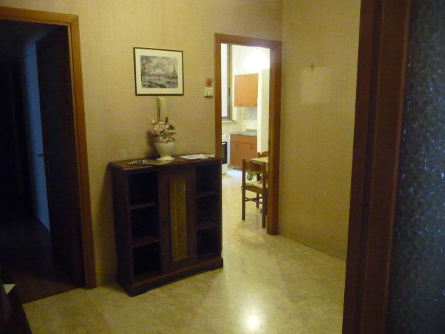 Appartamento in vendita a Grottammare, 4 locali, zona Località: Centro, prezzo € 180.000   Cambio Casa.it