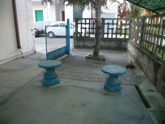 Soluzione Indipendente in vendita a Martinsicuro, 4 locali, prezzo € 180.000 | Cambio Casa.it