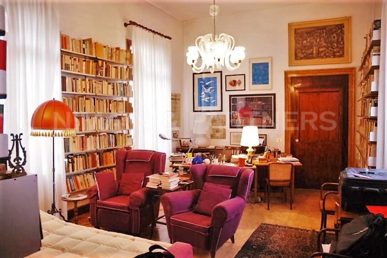 Appartamento in vendita a Venezia, 7 locali, zona Zona: 3 . Cannaregio, prezzo € 900.000 | Cambio Casa.it