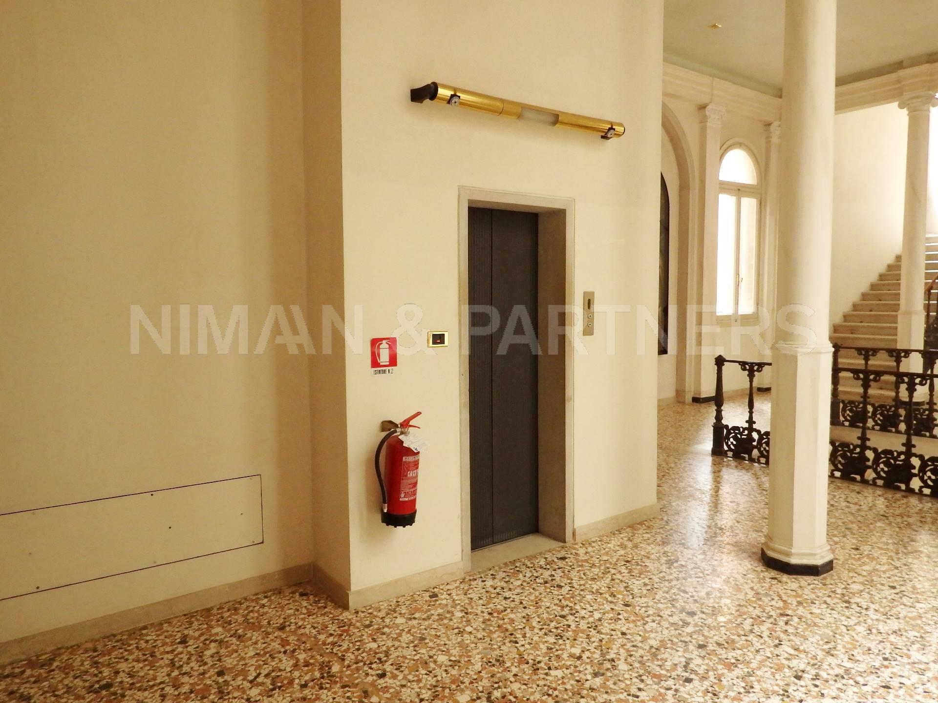 vendita appartamento venezia san marco  380000 euro  2 locali  50 mq