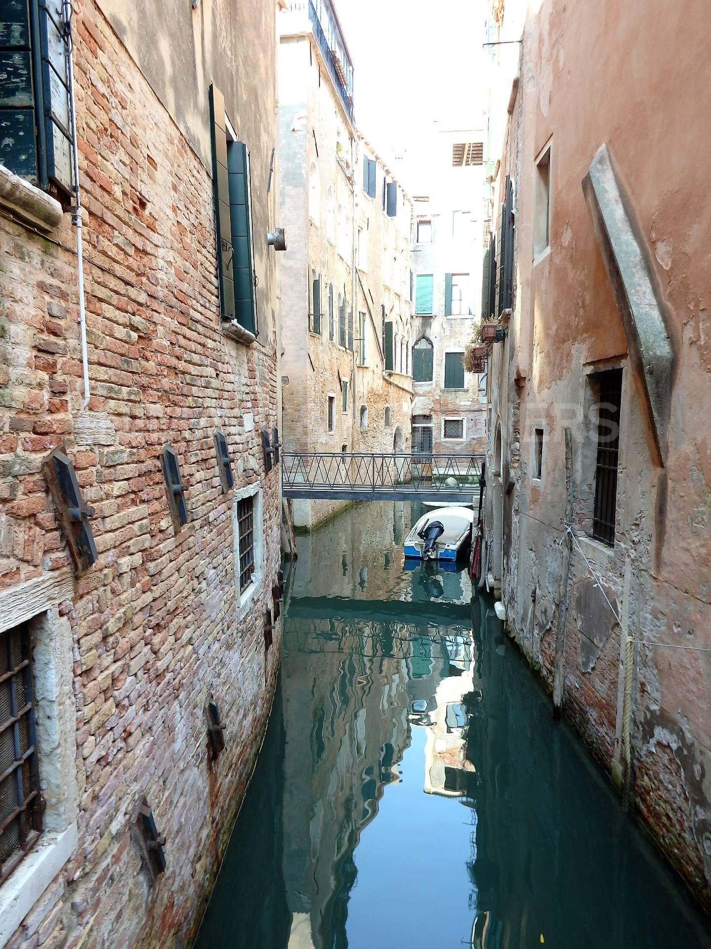 Appartamento in vendita a Venezia, 2 locali, zona Zona: 4 . Castello, prezzo € 295.000   Cambio Casa.it