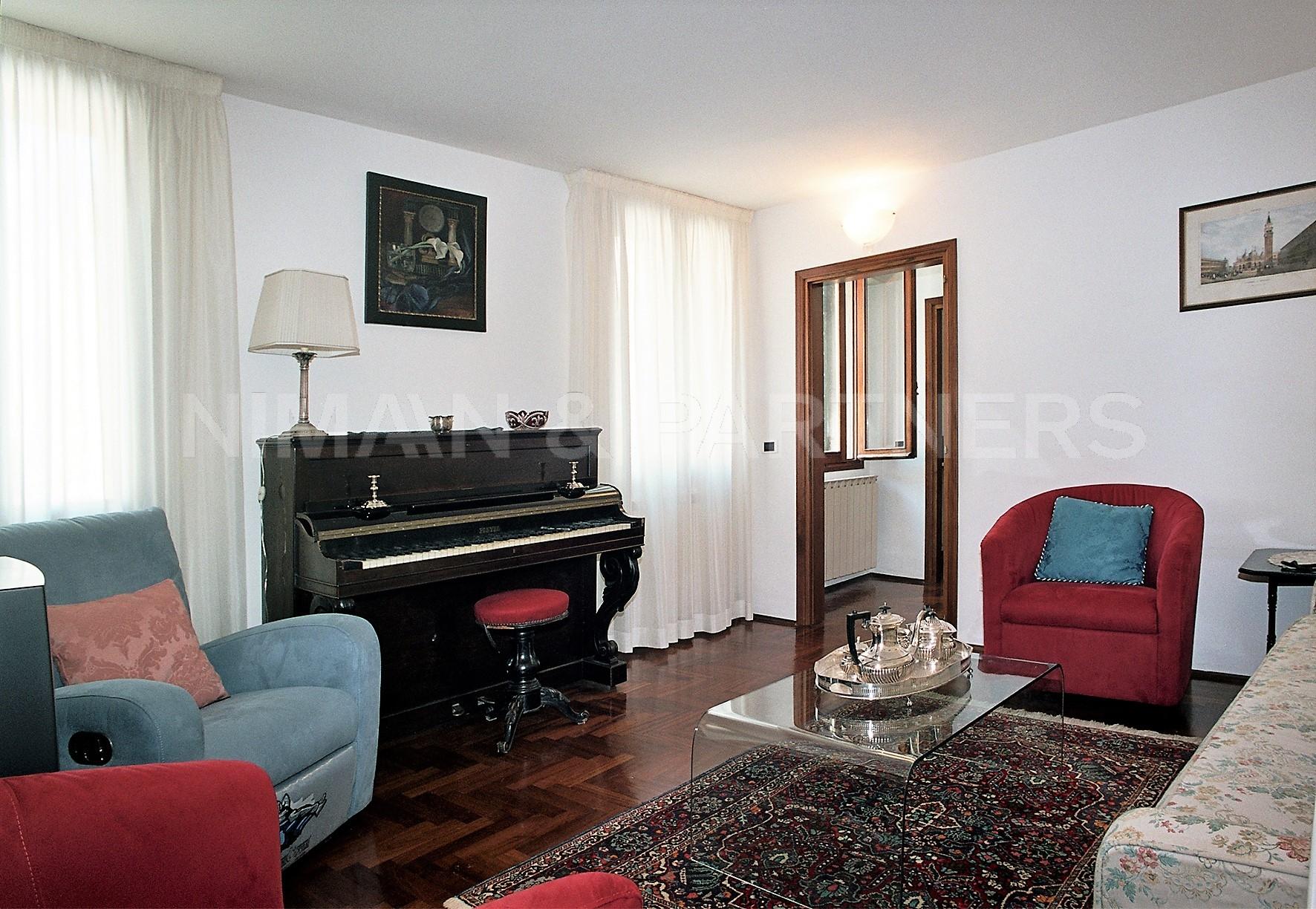 Appartamento, 170 Mq, Vendita - Venezia (Venezia)