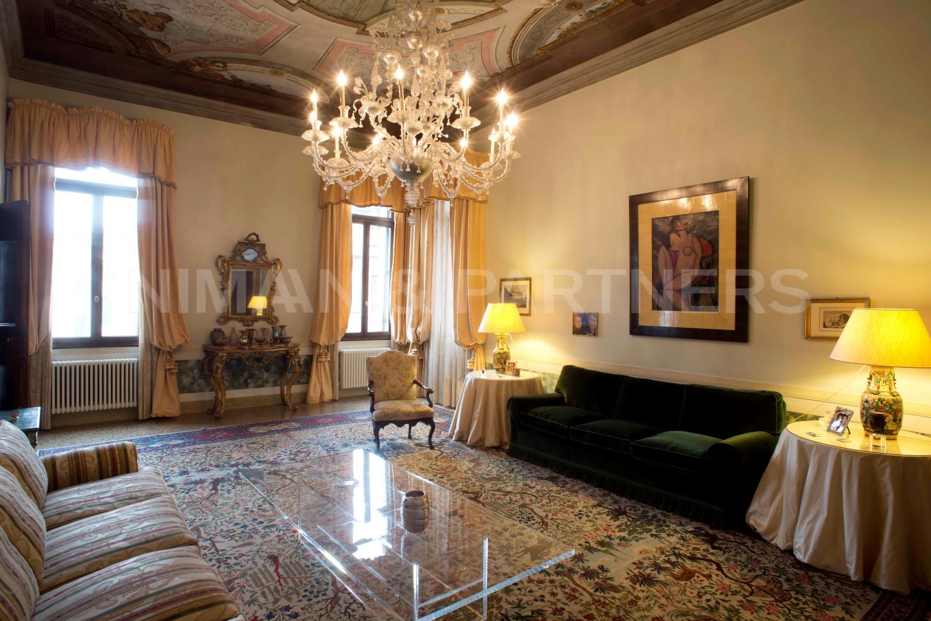 Appartamento in vendita a Venezia, 6 locali, zona Località: S.aCroce, prezzo € 2.500.000   Cambio Casa.it