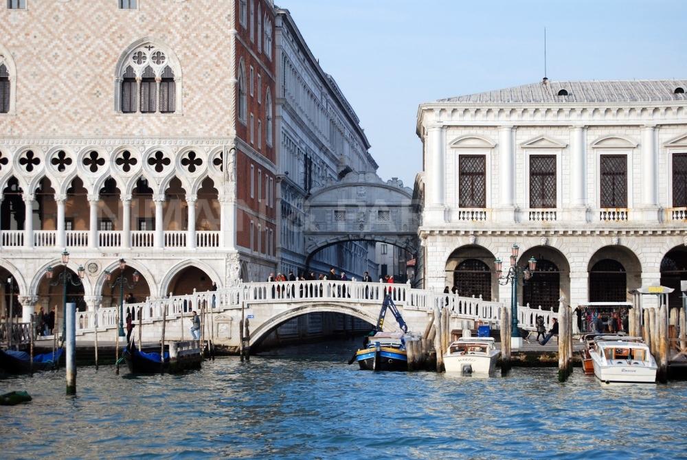 Appartamento in vendita a Venezia, 6 locali, zona Zona: 4 . Castello, prezzo € 1.300.000 | Cambio Casa.it