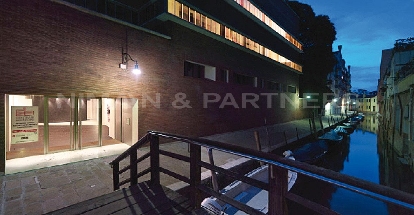 Appartamento in vendita a Venezia, 2 locali, zona Zona: 3 . Cannaregio, prezzo € 325.000   Cambio Casa.it