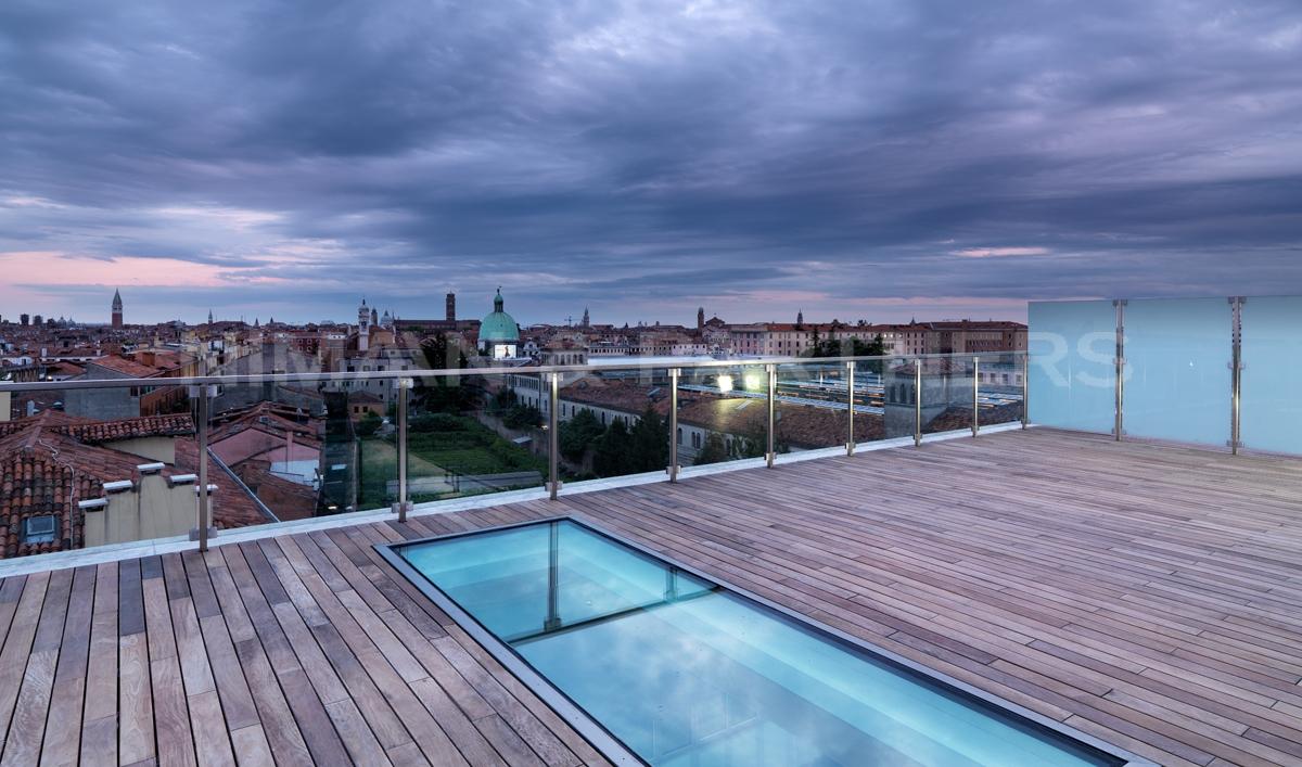 Appartamento in vendita a Venezia, 5 locali, zona Zona: 3 . Cannaregio, prezzo € 1.250.000 | Cambio Casa.it