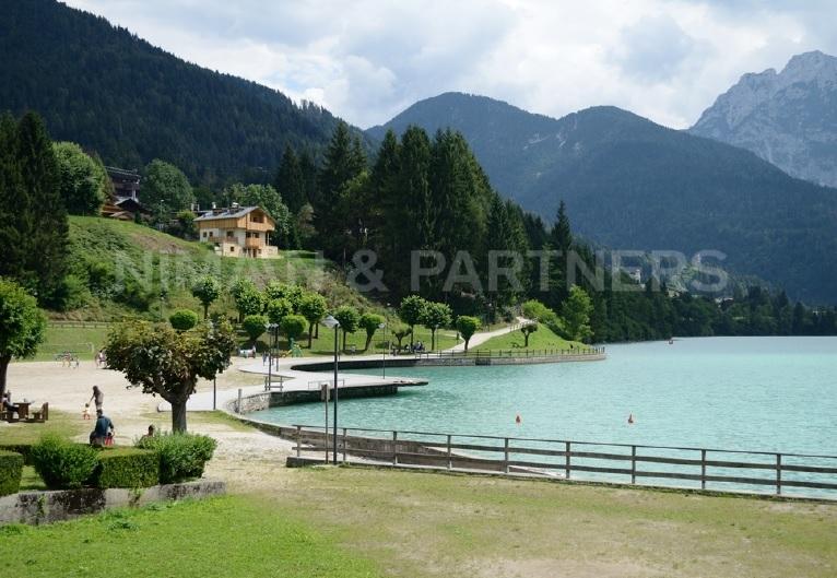 Villa in vendita a Auronzo di Cadore, 5 locali, prezzo € 260.000 | Cambio Casa.it