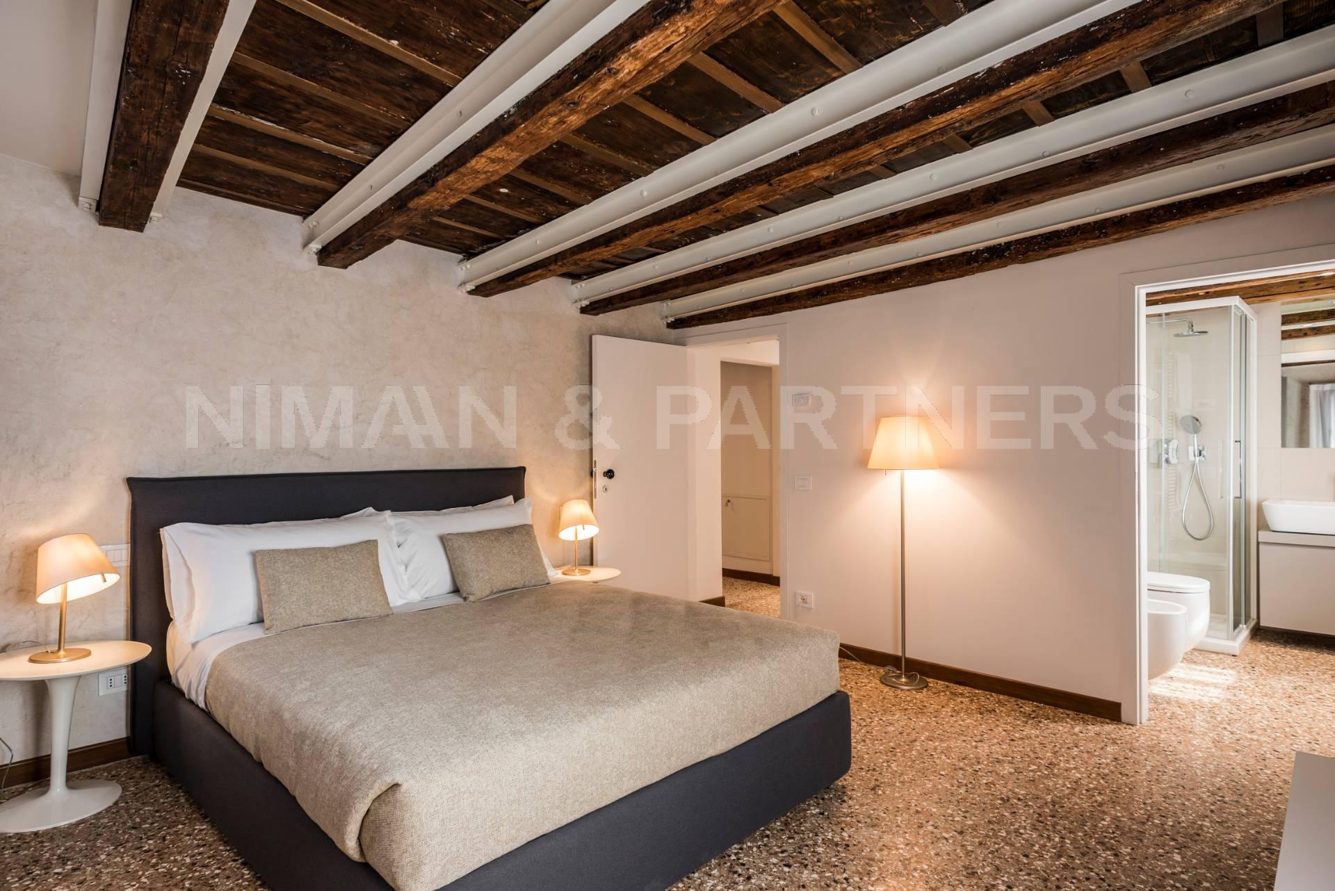 Appartamento in vendita a Venezia, 3 locali, zona Zona: 6 . Dorsoduro, prezzo € 659.000 | Cambio Casa.it