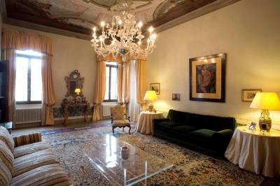 Apartment for Sale to Venezia