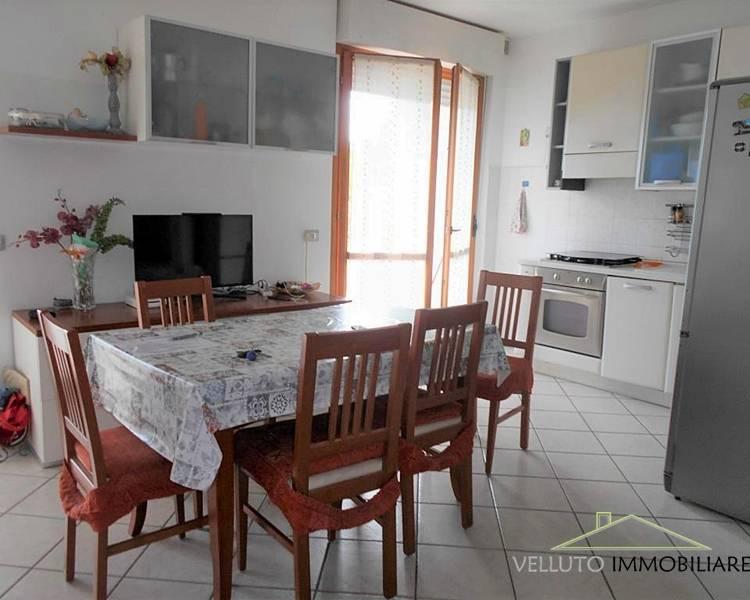 Appartamento in vendita a Senigallia, 3 locali, zona Località: VialeDeiPini, prezzo € 215.000 | CambioCasa.it