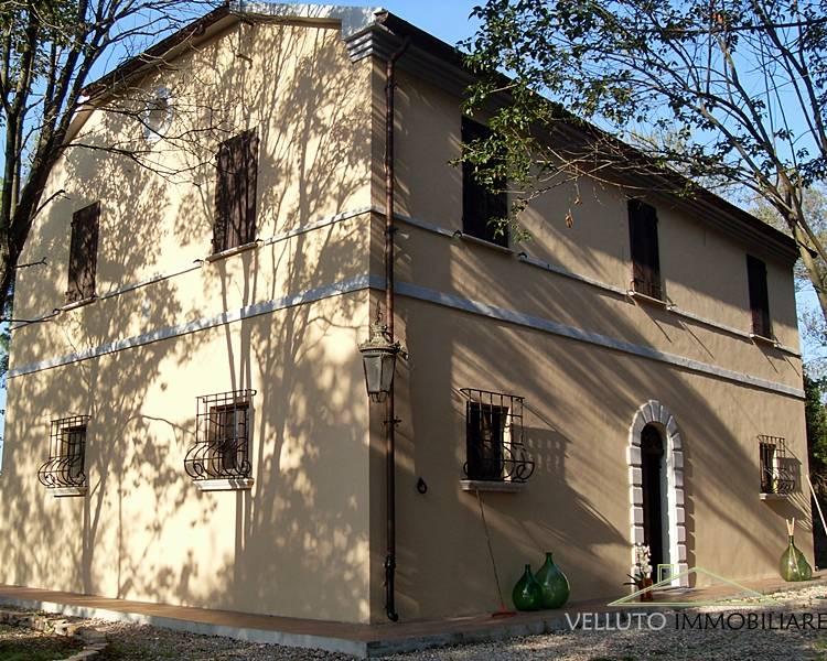 Villa in Vendita a Senigallia