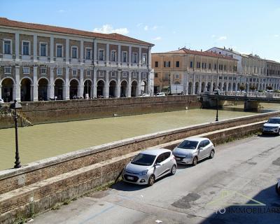 Casa Abbinata Ad Un Lato in Vendita a Senigallia
