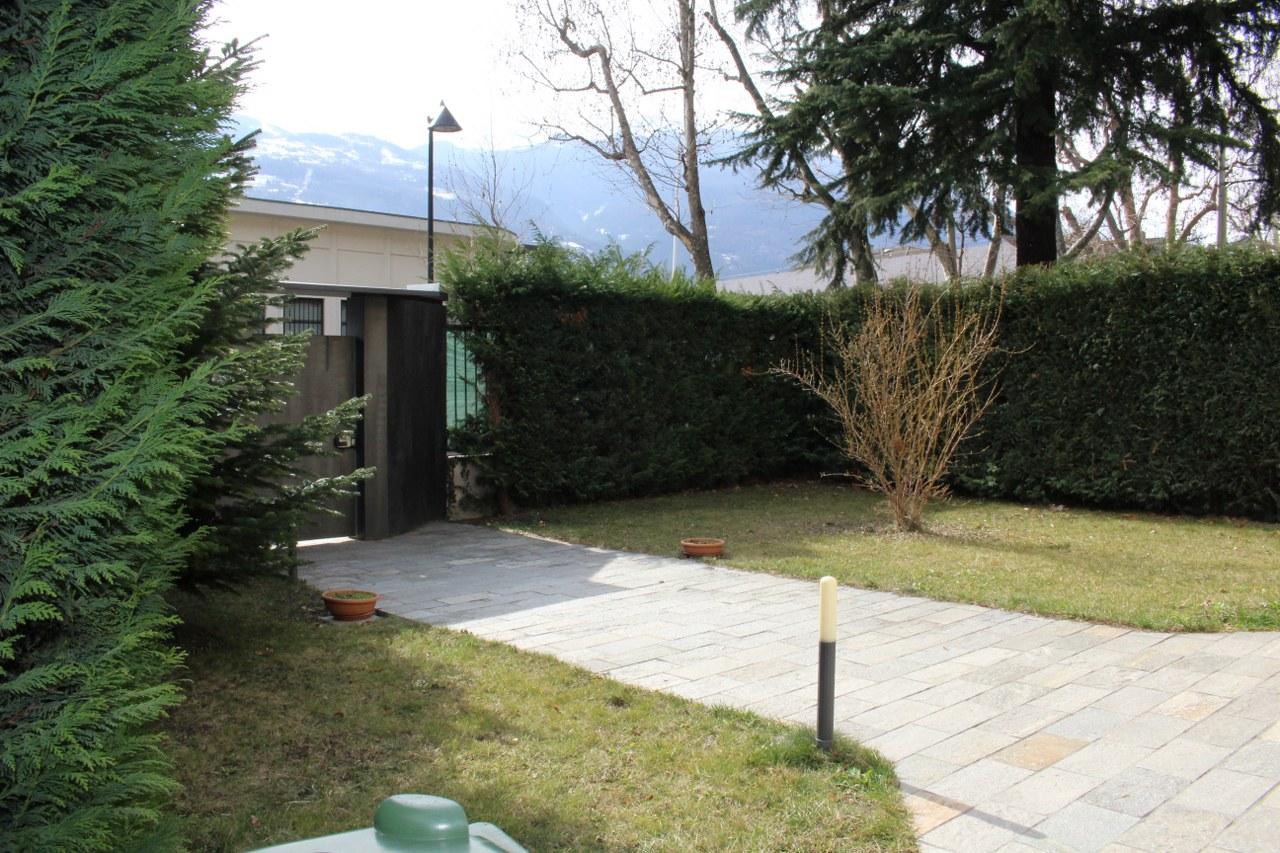 Villa in vendita a Aosta, 5 locali, zona Zona: Centro, prezzo € 390.000 | Cambio Casa.it