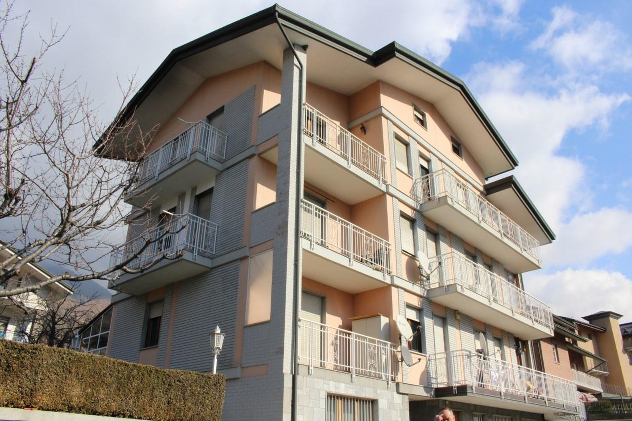 Appartamento in vendita a Saint-Christophe, 5 locali, prezzo € 205.000   CambioCasa.it
