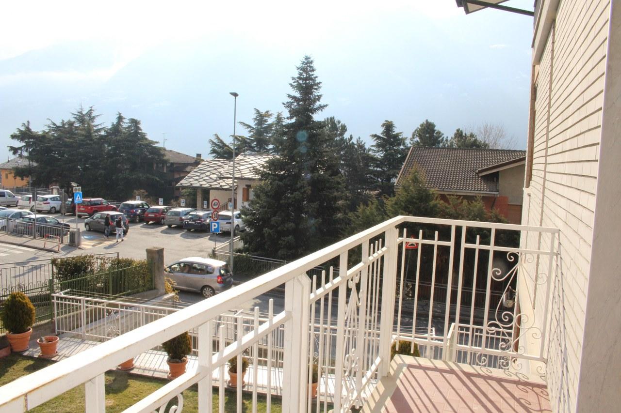 Appartamento in vendita a Saint-Christophe, 5 locali, prezzo € 230.000 | CambioCasa.it