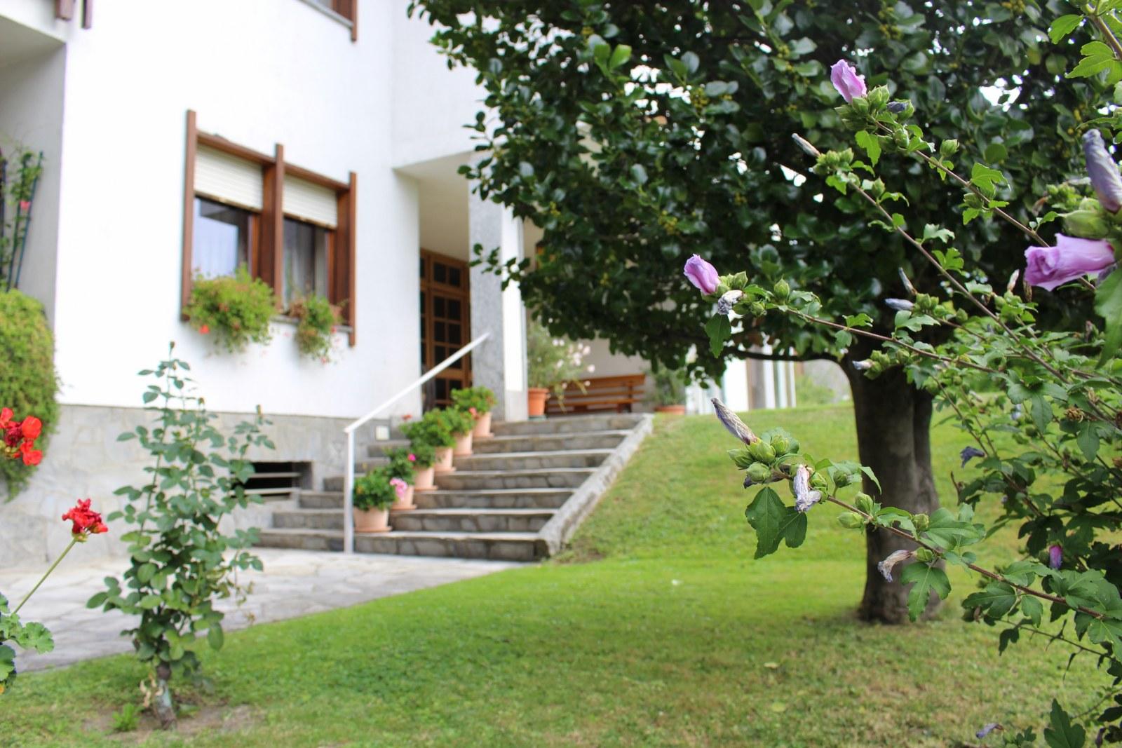 Appartamento in affitto a Aosta, 5 locali, zona Zona: Centro, prezzo € 850 | CambioCasa.it