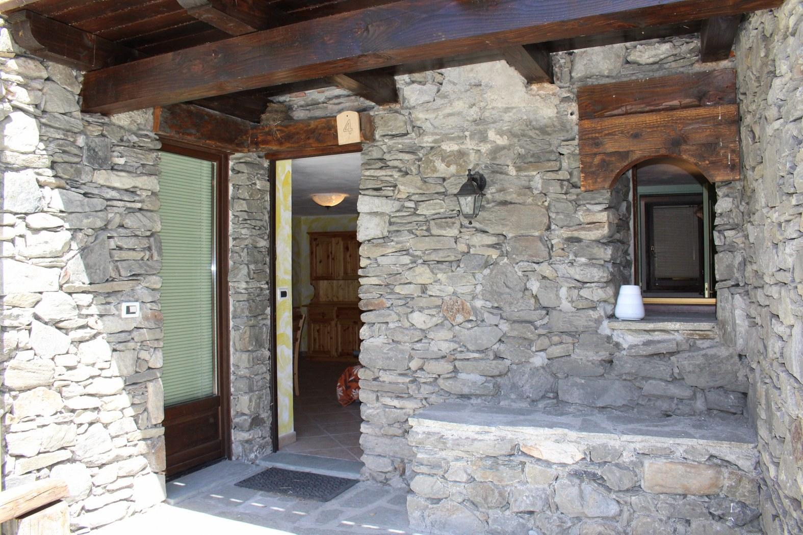 Appartamento in vendita a Saint-Rhemy-En-Bosses, 3 locali, prezzo € 105.000   CambioCasa.it