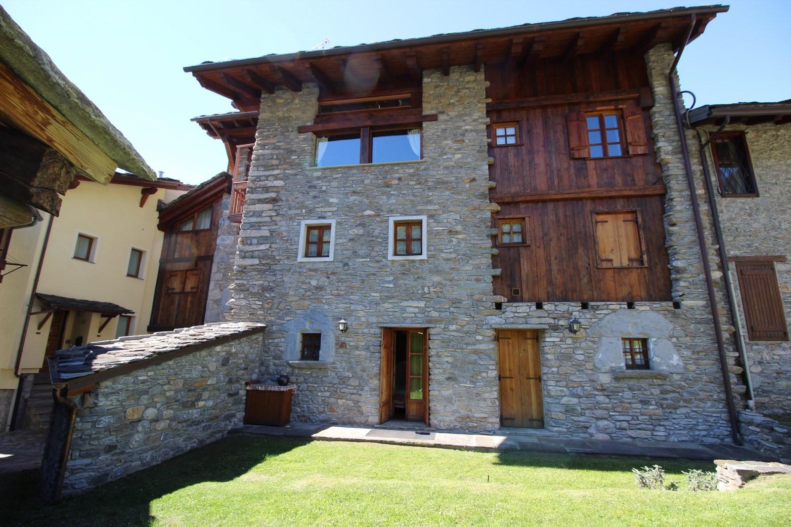 Appartamento in vendita a Morgex, 4 locali, prezzo € 295.000   CambioCasa.it