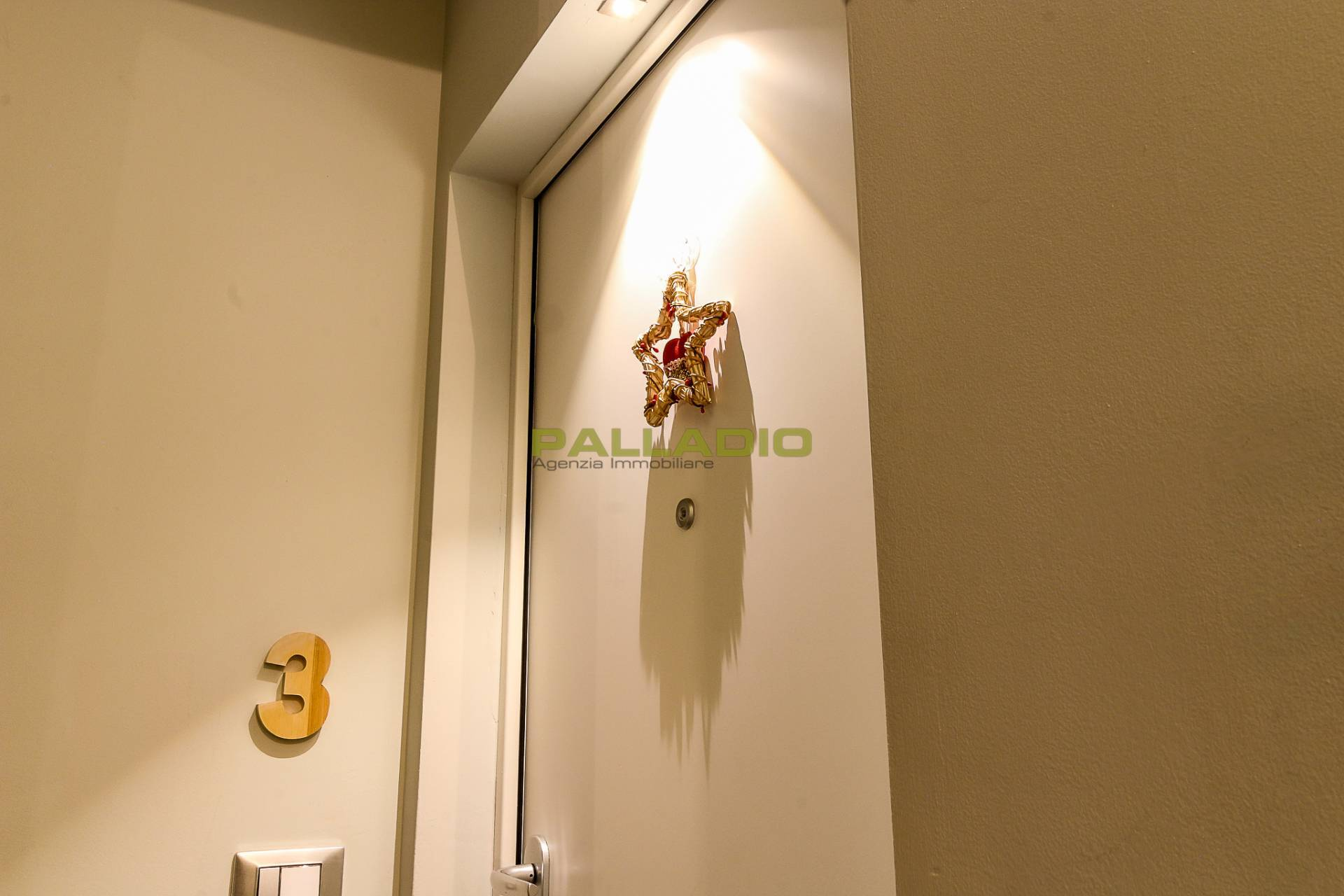 Appartamento in vendita a Aosta, 2 locali, zona Zona: Centro, prezzo € 145.000   CambioCasa.it
