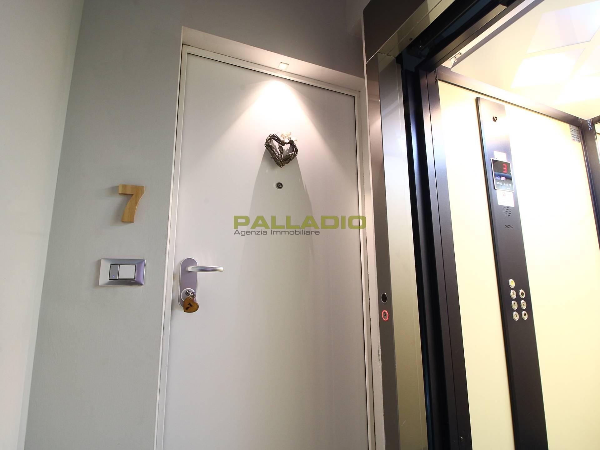 Appartamento in vendita a Aosta, 2 locali, zona Zona: Centro, prezzo € 150.000   CambioCasa.it