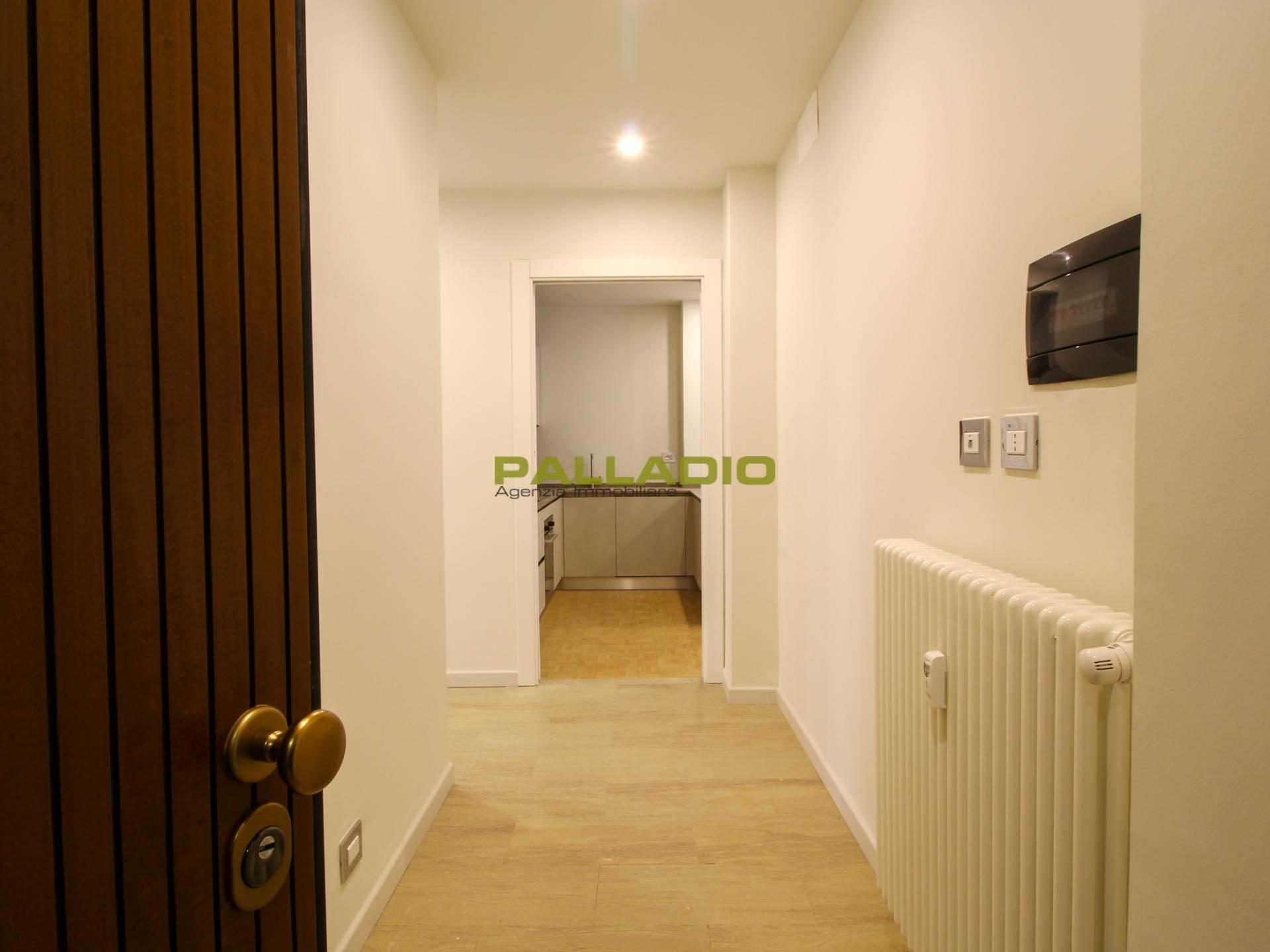 Appartamento in affitto a Aosta, 4 locali, prezzo € 650 | CambioCasa.it