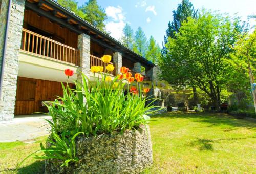 Villa in Vendita a Gressan